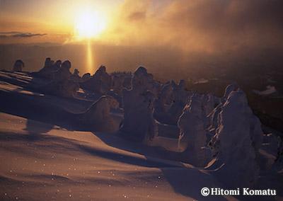 今月の一枚・2004年2月「大陽柱と樹氷(森吉山)」