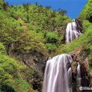新緑の安の滝(秋田県北秋田市・旧阿仁町)